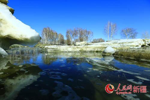 人民网乌鲁木齐3月31日电(通讯员 张丽霞 白泉露)河开了,冰化了,春