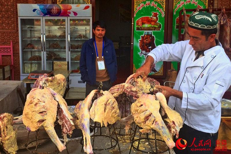品味舌尖上的疏附传统:味道技艺中享受新疆美美食餐厅日照图片