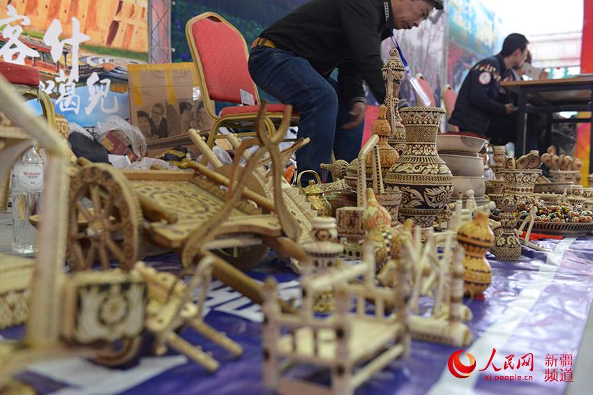 维吾尔族特色的工艺品.徐蒙