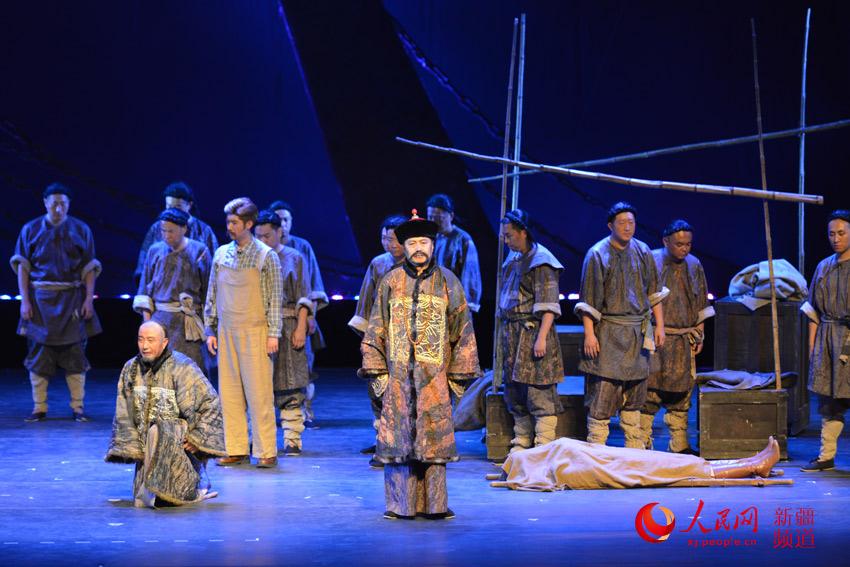 历史话剧《天下第一桥》在乌鲁木齐上演