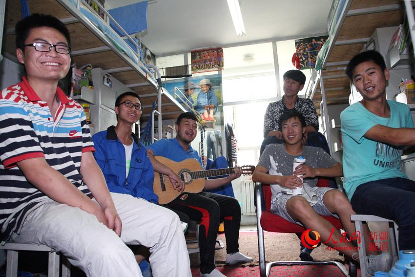 新疆:塔里木大学民族团结教育齐心浇灌民族团结之花