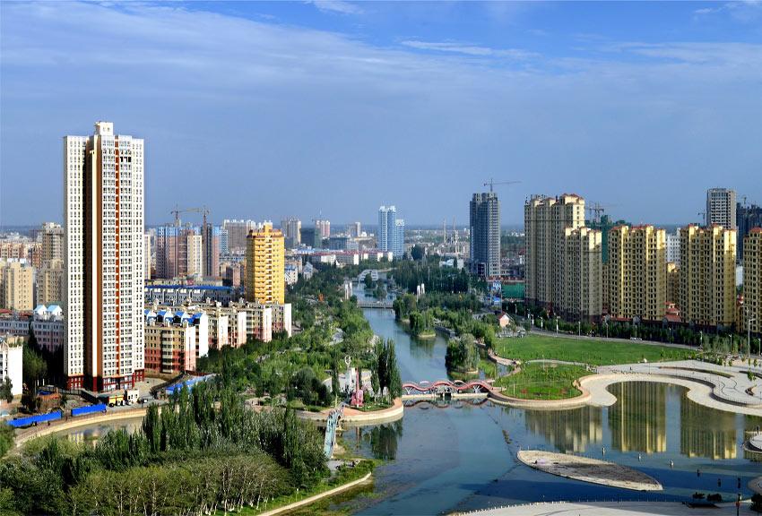 """新疆阿克苏:依托生态工程构筑""""绿色长城"""""""