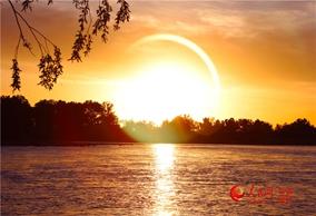 新疆哈巴河:额尔齐斯河晚霞风光别样美