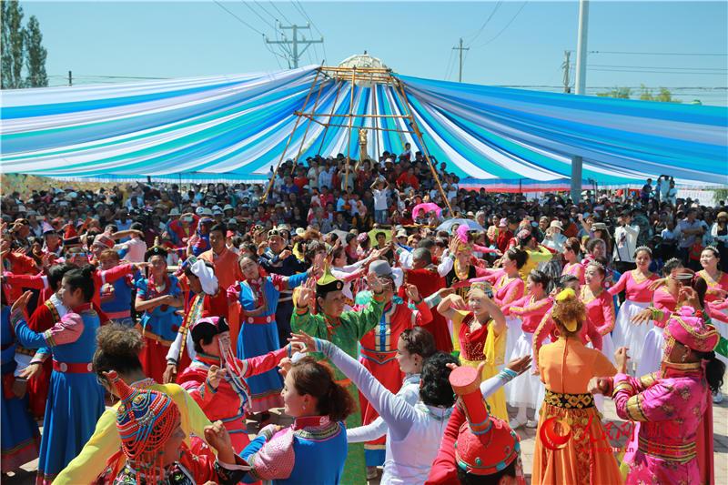 新疆焉耆县包尔海首届东归文化旅游节盛大开幕(图)