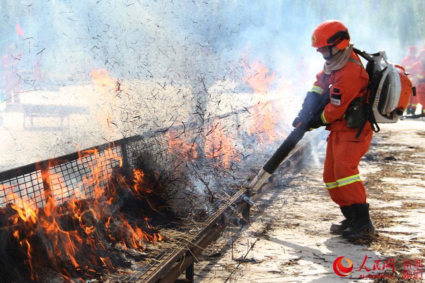 新疆:警营男子汉是这样炼成的