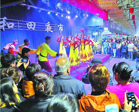 新疆和田夜市人气旺