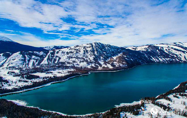 新疆喀纳斯:冰雪与碧湖的奇缘(组图)