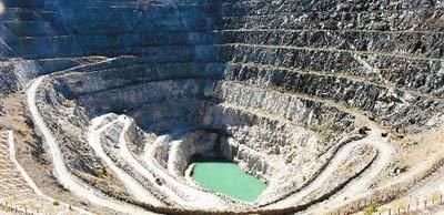 新疆可可托海:景区你好!矿区再见!