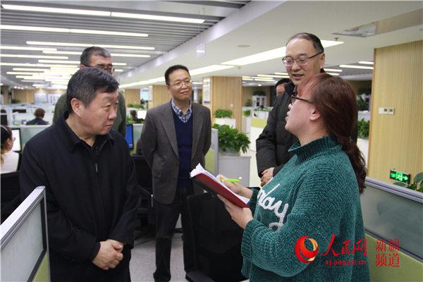 """新疆:��站珠L走�M""""12366""""�A����焦�c���}"""