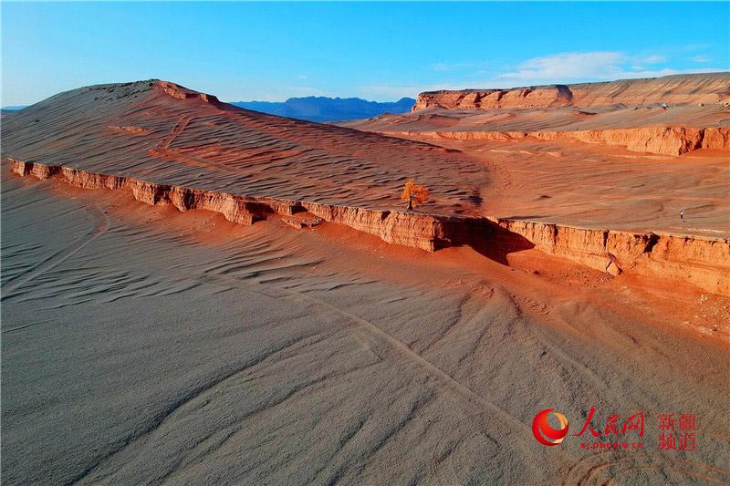新疆托克逊县红层地貌壮美恢弘 组图