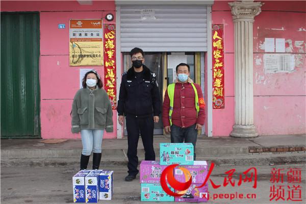 """新疆兵團第四師:警民共戰""""疫""""中的溫暖小故事"""
