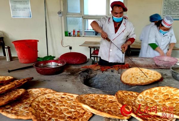 新疆有多少人口_缅甸邦康市有多少人口_小勐拉环球国际集团--四川大学附属中
