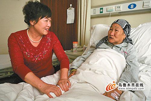 张春贤走访新疆塔城民族团结大家庭
